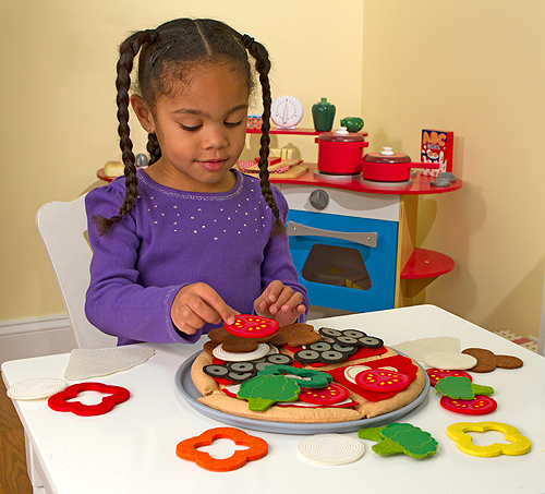 Felt pizza play food set from Melissa and Doug